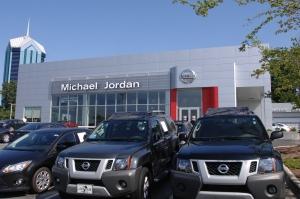Michael_Jordan_Nissan_1